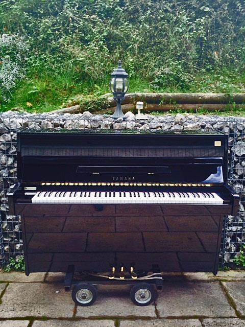 yamaha modell c 110 a schwarz hochglanz klavierverkauf. Black Bedroom Furniture Sets. Home Design Ideas