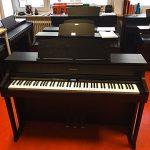 ROLAND: E-Piano HP-605