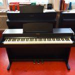 ROLAND: E-Piano RP501R