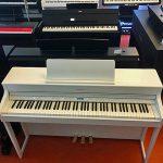 ROLAND: E-Piano HP-702