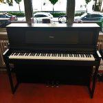 ROLAND: E-Piano LX-706