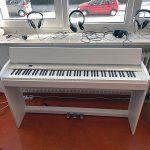 ROLAND: E-Piano F701